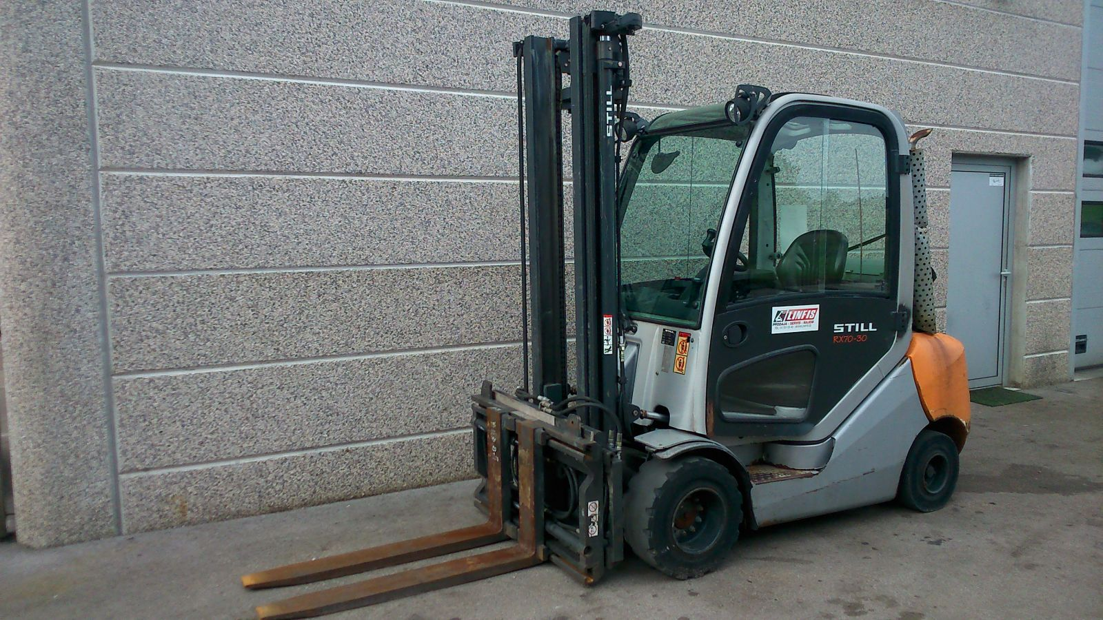 Rabljen-plinski-viličar-STILL-model-RX70_30T