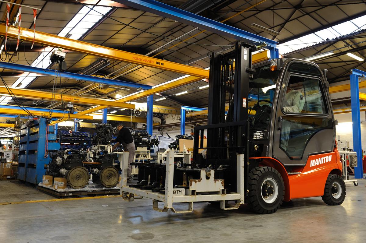 Diesel-in-plinski-industrijski-viličarji-MI_30-50_Manitou