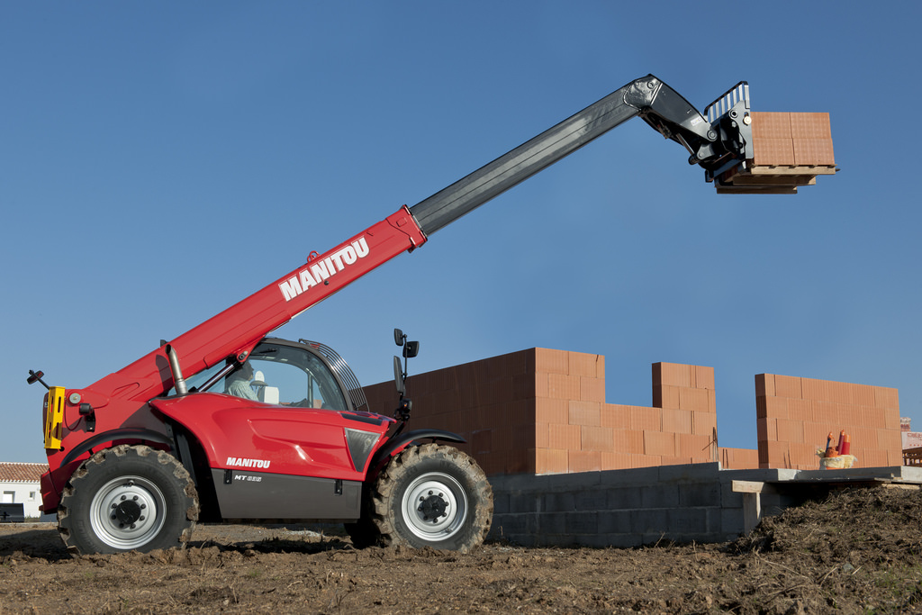 Teleskopski viličar Manitou, model MT 835 Easy